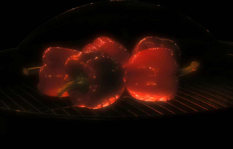 File:Bell peppers on grill.png