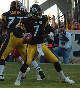 Roethlisberger drops back to pass in a game against the Kansas City Chiefs in 2006.