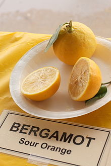 http://upload.wikimedia.org/wikipedia/commons/thumb/4/44/Bergamot_-_Sour_Orange_-_January_2013.jpg/220px-Bergamot_-_Sour_Orange_-_January_2013.jpg