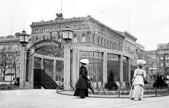 Wilhelmplatz - The U-Bahn station on Wilhelmplatz, early 1900s