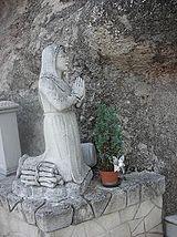 Bernadette, Grotta di Lourdes.JPG