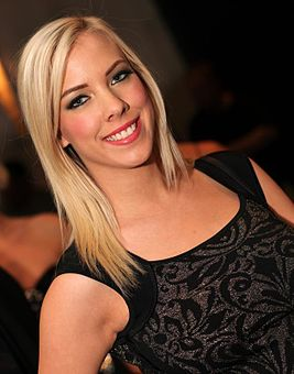 Bibi Jones AVN Awards 2013.jpg