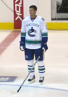 Description de l'image  Bieksa-jerseylaunch.jpg.