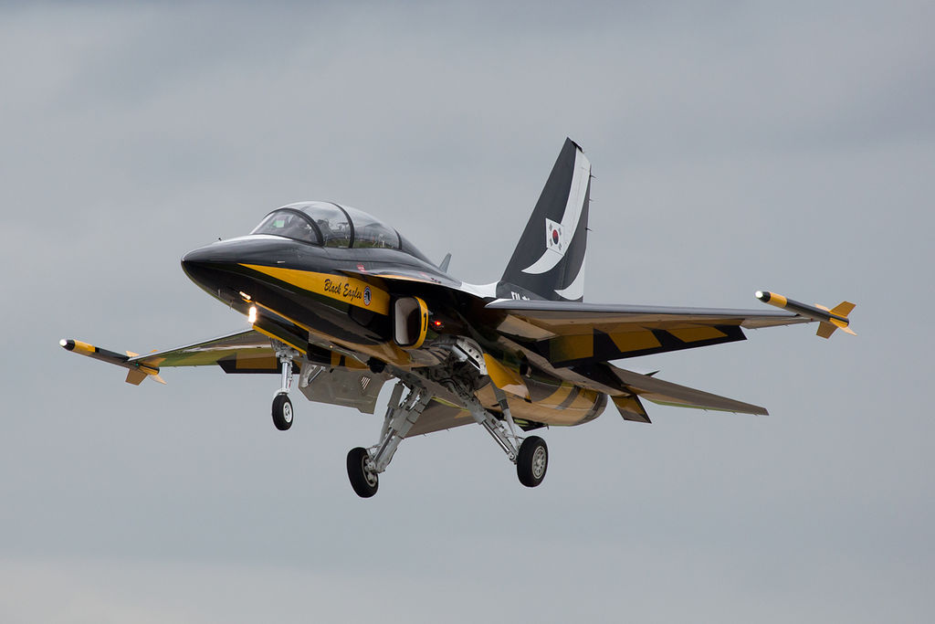 المقاتله الخفيفه KAI T-50 Golden Eagle الكوريه الجنوبيه    1024px-Black_Eagles_T-50