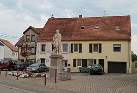 A statue on the main road in Blies-Guersviller