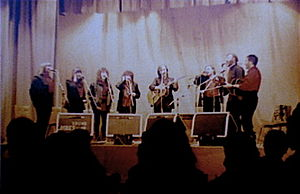 Wath-upon-Dearne - Blue Murder live at Montgomery Hall, Wath-upon-Dearne, Sunday 1 November 1987 (left to right: Heather Brady, Lal Waterson, Rachel Waterson, Norma Waterson, Martin Carthy, Mike Waterson, Dave Brady, Jim Boyes)