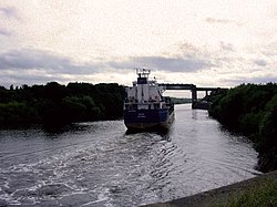 Boat on manchester ship canal.jpg
