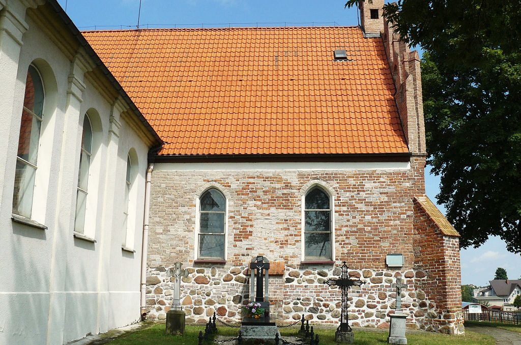 1024px-Bobowo%2C_church_%285%29.JPG