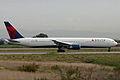 Boeing 767-432ER N829MH Delta (6655143959).jpg