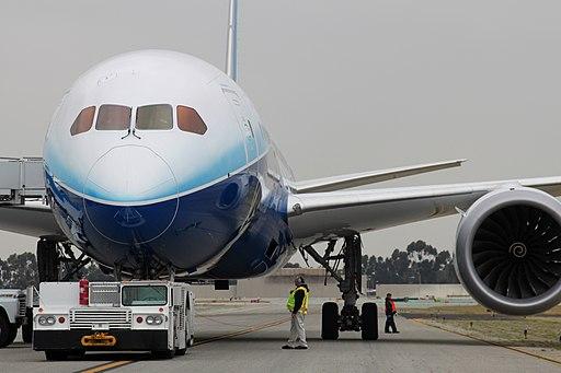 Boeing 787-800 First Visit (6834571796) (2)