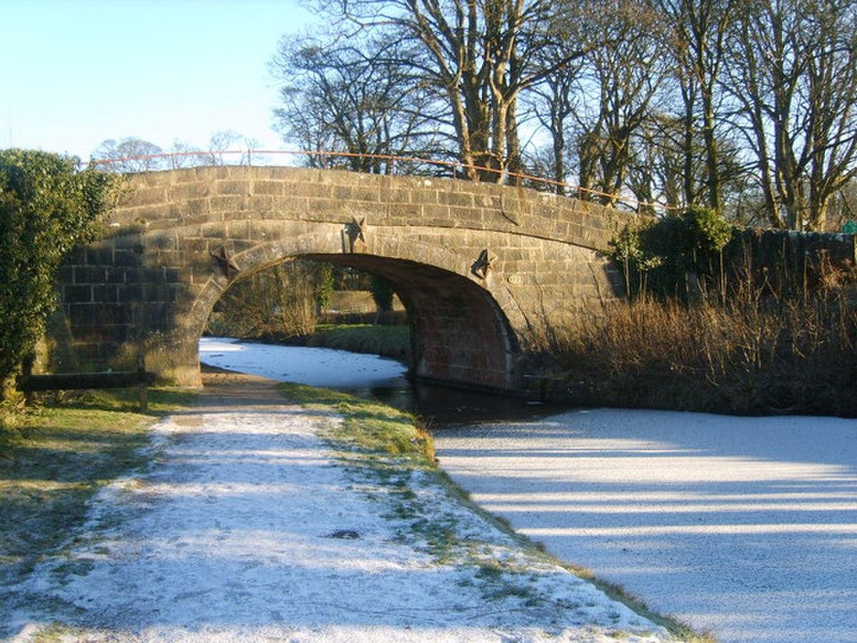 Bridge 127, Lancaster Canal - geograph.org.uk - 1654261.jpg