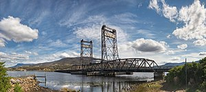 Vertical-lift bridge - The Bridgewater Bridge is one of the last remaining operational vertical-lift bridges in Australia