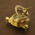 Bronze compass sundial 006.png