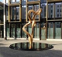 Brunnen LilliPalmerStr 2 München.jpg