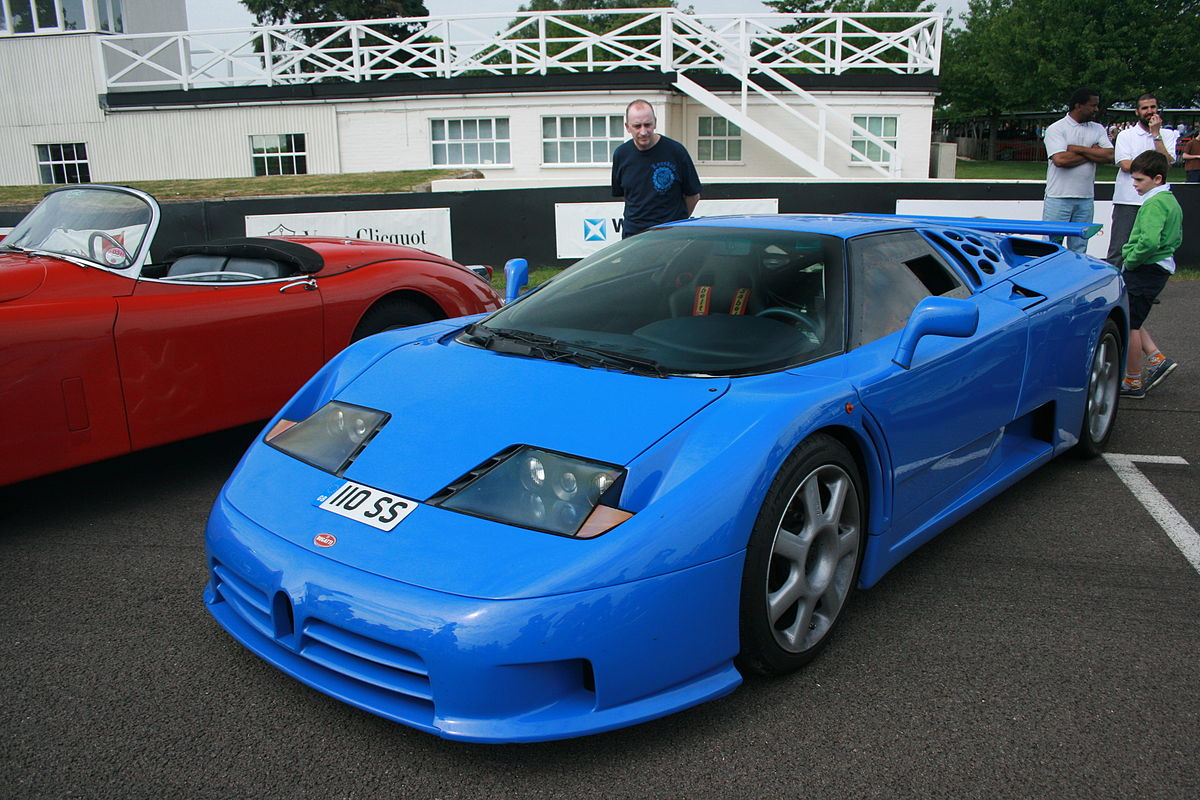 Bugatti EB 110 on car video