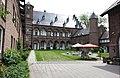 Burg Binsfeld Innenhof.jpg