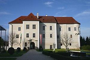 Burgau_Schloss.jpg
