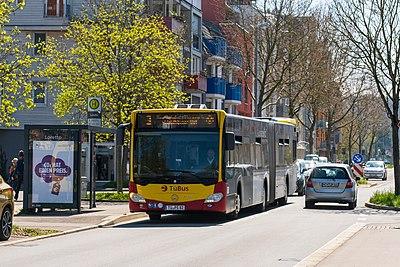 Bushaltestelle Loretto in Tübingen in Fahrtrichtung Hauptbahnhof.jpg