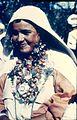 COLLECTIE TROPENMUSEUM Berbervrouw met gezichtstatoeages en traditionele sieraden TMnr 20017653.jpg