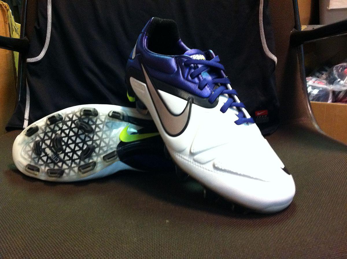 Nike Ctr Maestri Iii Fg Firm Ground Soccer Shoes