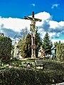 Calvaire devant l'église Sainte Marguerite.jpg