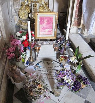 Maria Valtorta - Tomb of Maria Valtorta at the Basilica of Santissima Annunziata in Florence