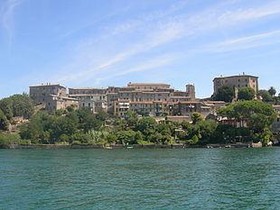 Capodimonte Uno Dei Paesi Del Lago Dove Governarono I Farnese