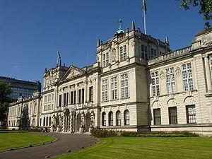 W. D. Caröe - Image: Cardiff University main building