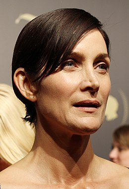 Carrie-Anne Moss 2016 (cropped).jpg