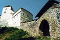 Castillo transilvano cerca de Brasov.jpg