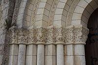Châpiteaux portail occidental Meursac 1.JPG