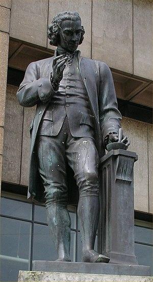 Chamberlain Square - Image: Chamberlain Square Statue Priestley