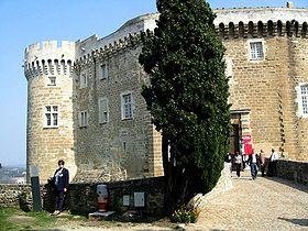 Chateau de Suze la Rousse 01.jpg
