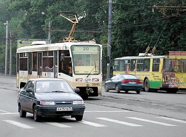 Chelyabinsk tramway, trolleybus and cars.jpg