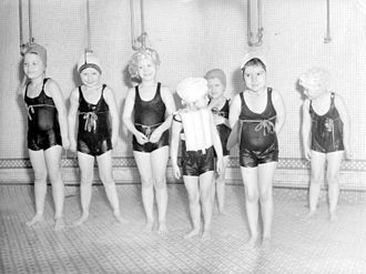 Swim cap - Young girls from a Montreal kindergarten wearing swimsuits and swim caps, 1943