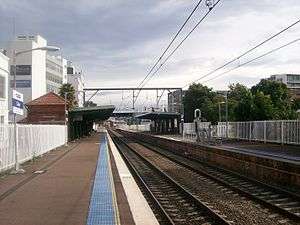 Civic railway station looking west on platforms.JPG
