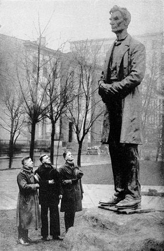 George Grey Barnard - Abraham Lincoln (bronze, 1917), Lytle Park, Cincinnati, Ohio.