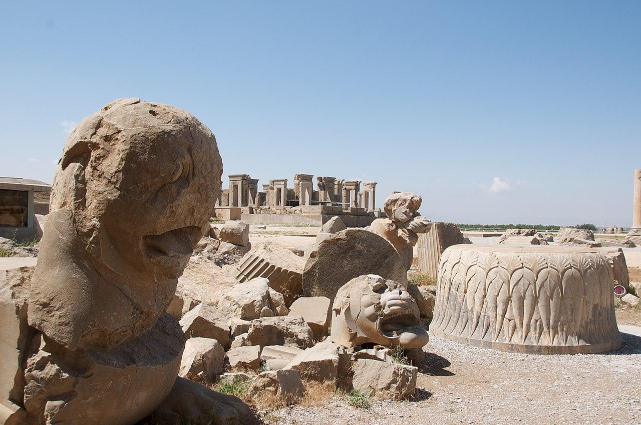 Column Base Amid Architectural Rubble (4690352651).jpg