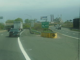Connecticut Turnpike - Northbound Exit 48 offramp from the I-95 section, before the reconstruction of the I-95/I-91 interchange