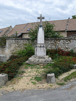 Couvrelles monument-aux-morts 1.jpg