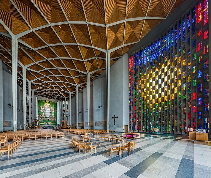 File:Coventry Cathedral Interior, West Midlands, UK - Diliff.jpg
