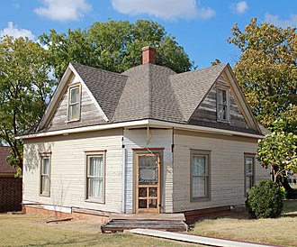 National Register of Historic Places listings in Custer County, Oklahoma - Image: Crawford House (Clinton, Oklahoma) (23055930951)