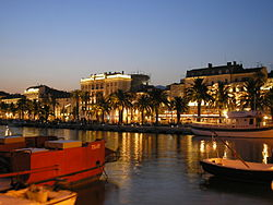 Croatia - Split - Riva under night.JPG