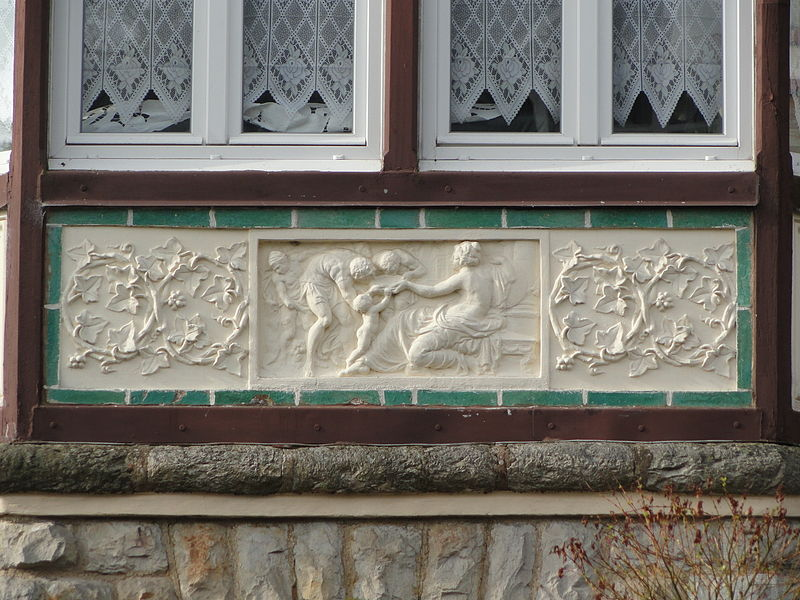 File:DSC00176- Quartier Belle Epoque- Villa Beauséjour- detail.JPG