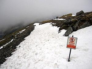 English: Danger/Perygl on the Snowdon Mountain...