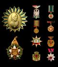 Dekoratat, medaljet dhe titujt në Shqipëri.png