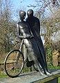 Delft kunstwerk fietsers.jpg