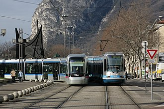 Grenoble tramway - Image: Deux Trams Grenoble