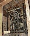 Dinan, Mouvement de l'horloge 1498.jpg