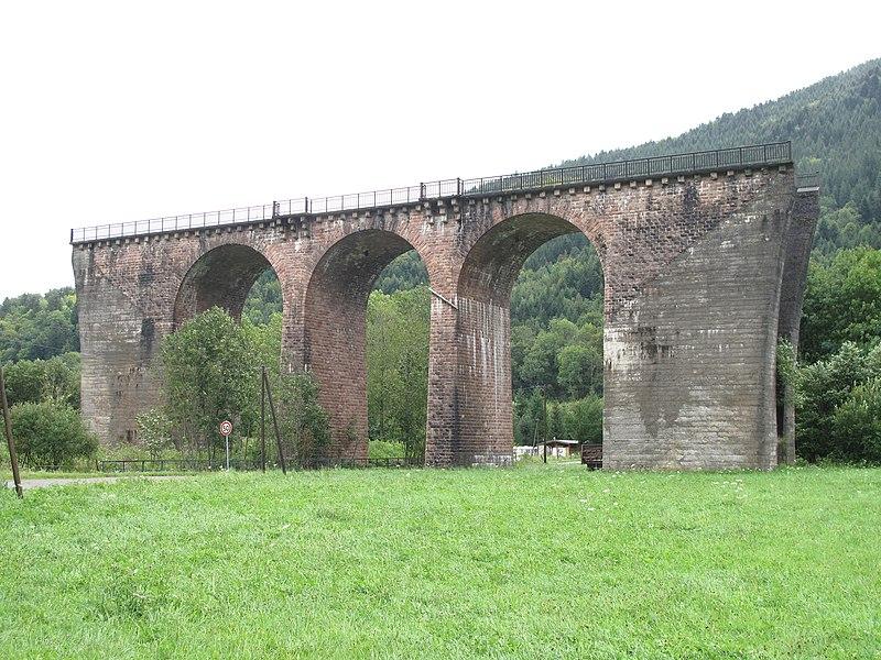 File:Disused viaduct Urbes.jpg